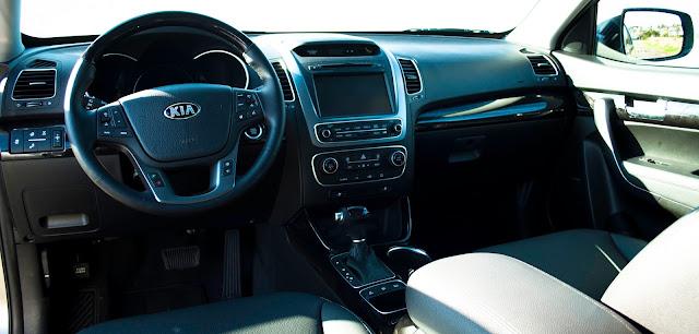 2014 Kia Sorento SX interior