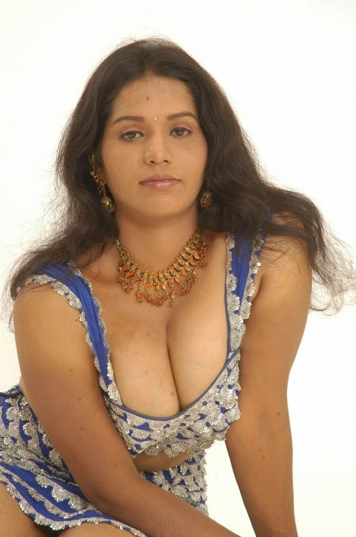 Scandals: Hot south indian actress hot Pallu Display show