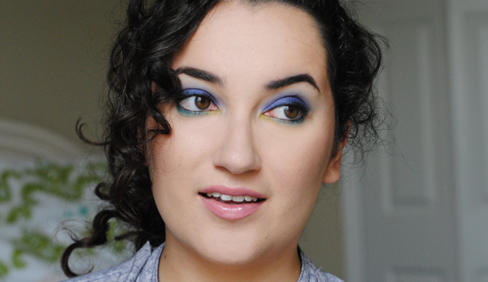 purple eyeshadow, makeup look, look of the day, teal makeup, purple makeup, nude lips, curly hair
