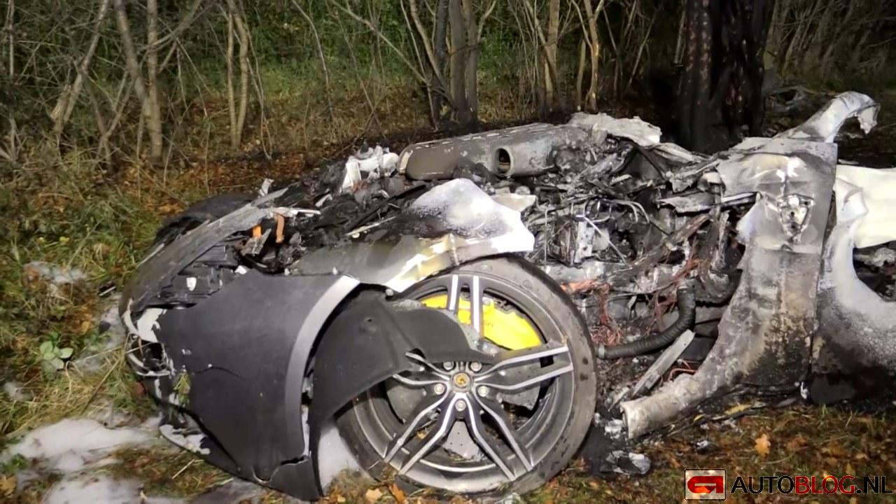 200km H Ferrari Ff Crash In Germany Kills Two