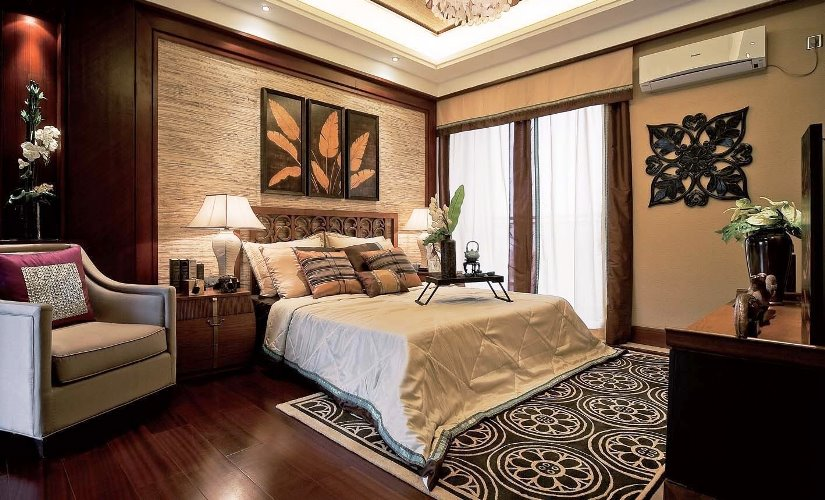 Traditional Master Bedroom Furniture With Red Curtain