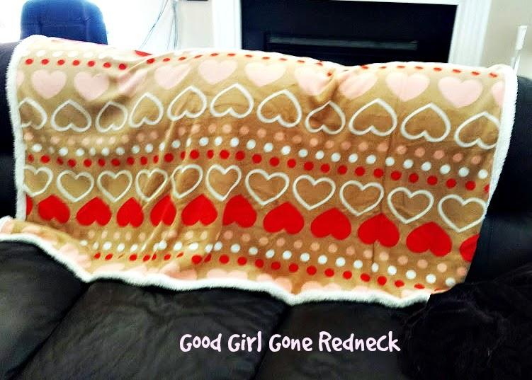 cozy, fleece, throw, hearts, decor