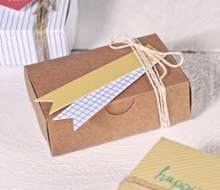 petite boîte en carton, selfpackaging, boîte pour cartes de visite, boîte en carton