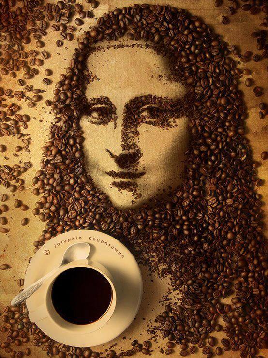 Feliz cumpleaños, 3lite Mona+cafe