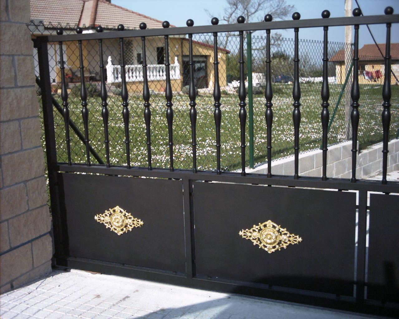 Aluminios miguel trabajos en puertas - Fotos puertas metalicas ...