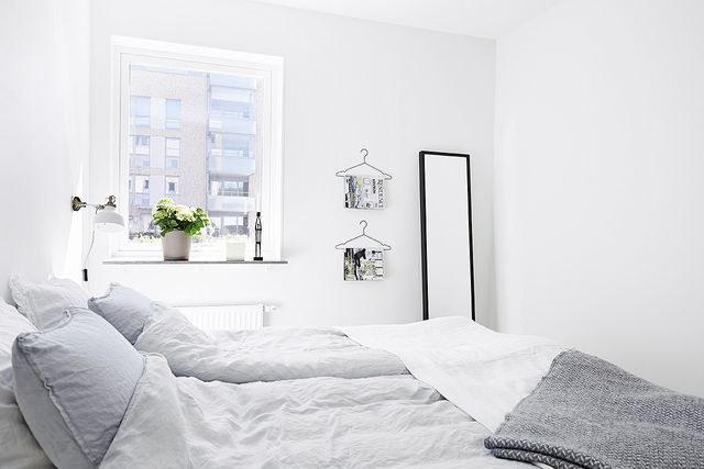 http://myscandinavianhome.blogspot.se/2015/03/the-lovely-serene-home-of-swedish-singer.html