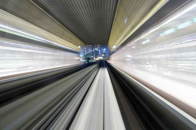 photo-train-tokyo