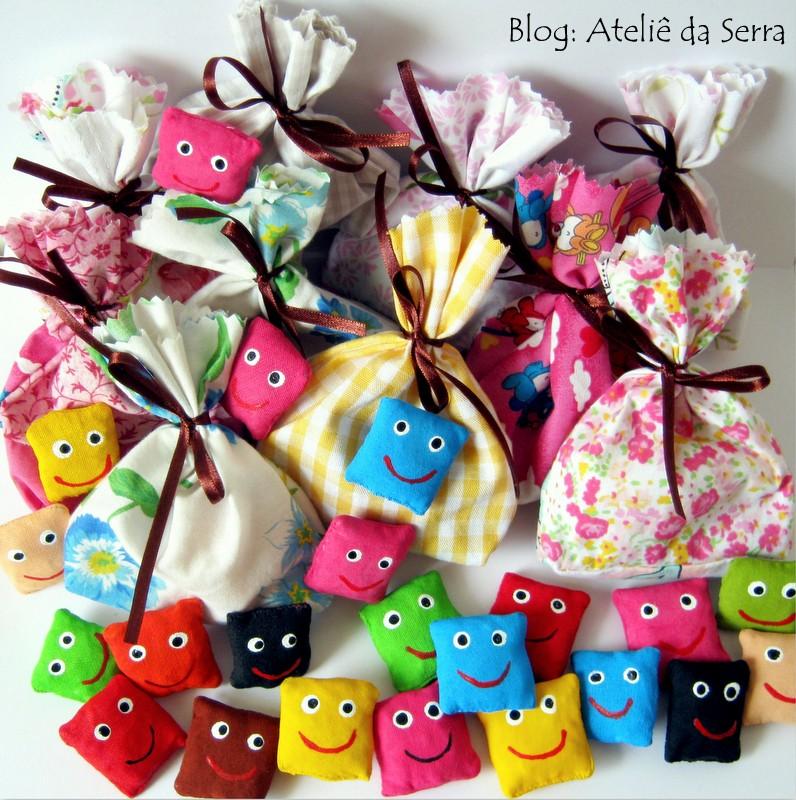 Encomende joguinhos lúdicos: cinco-marias
