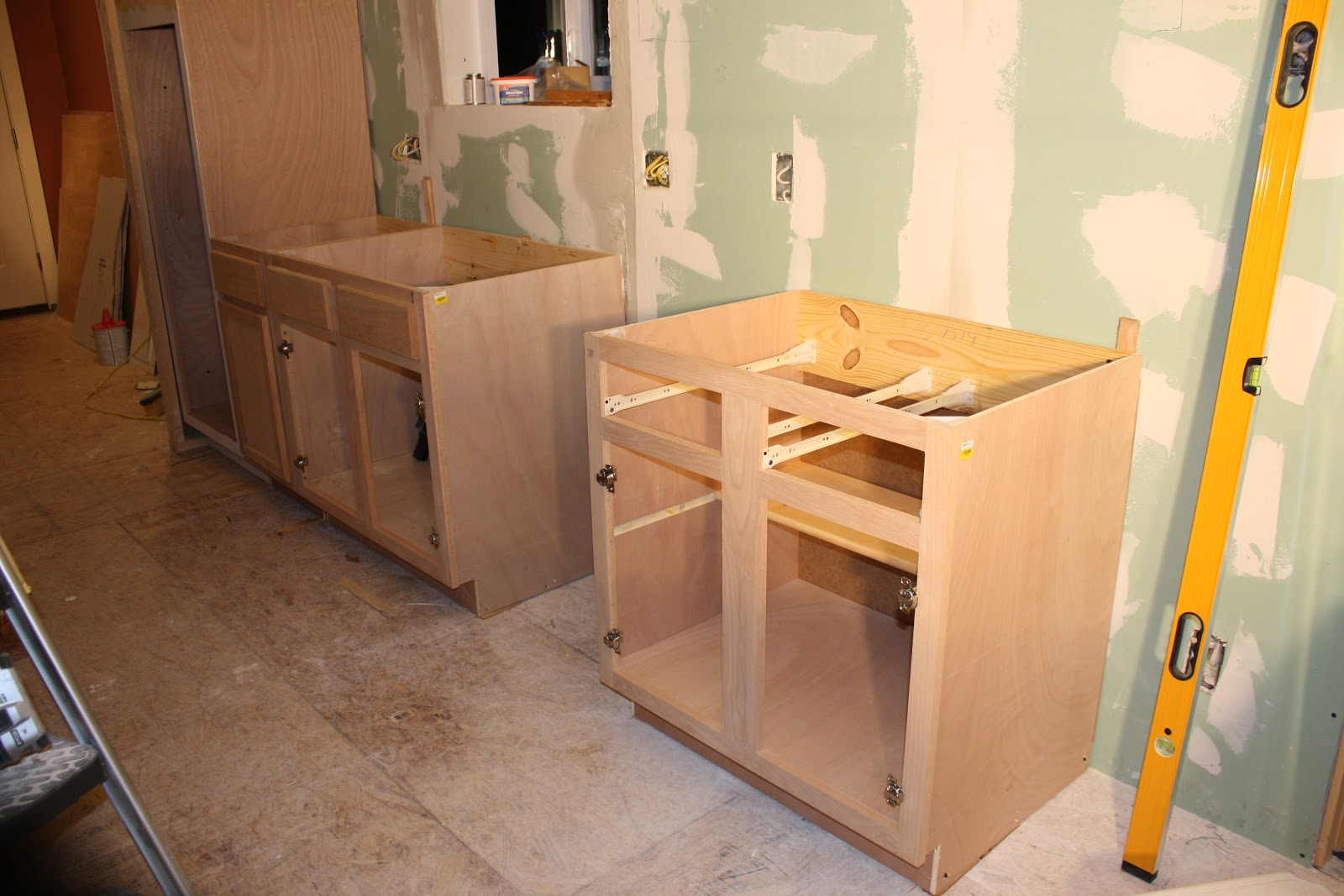 Plywood kitchen cabinets for Plywood cupboard