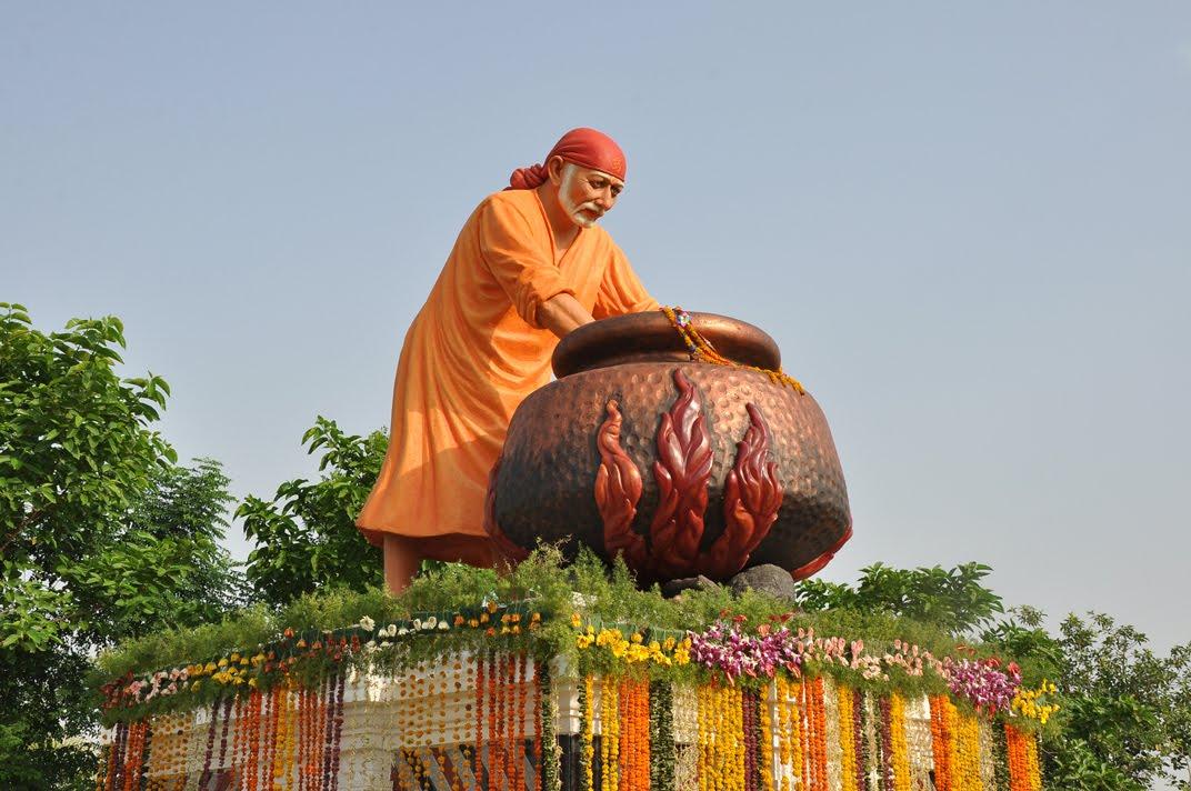 Sai Wallpaper Shirdi Sai Baba S First 23 Feet Statue In