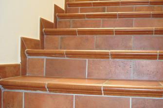 Come pulire e lavare la scala in cotto idee utili per la casa - Cotto per scale ...