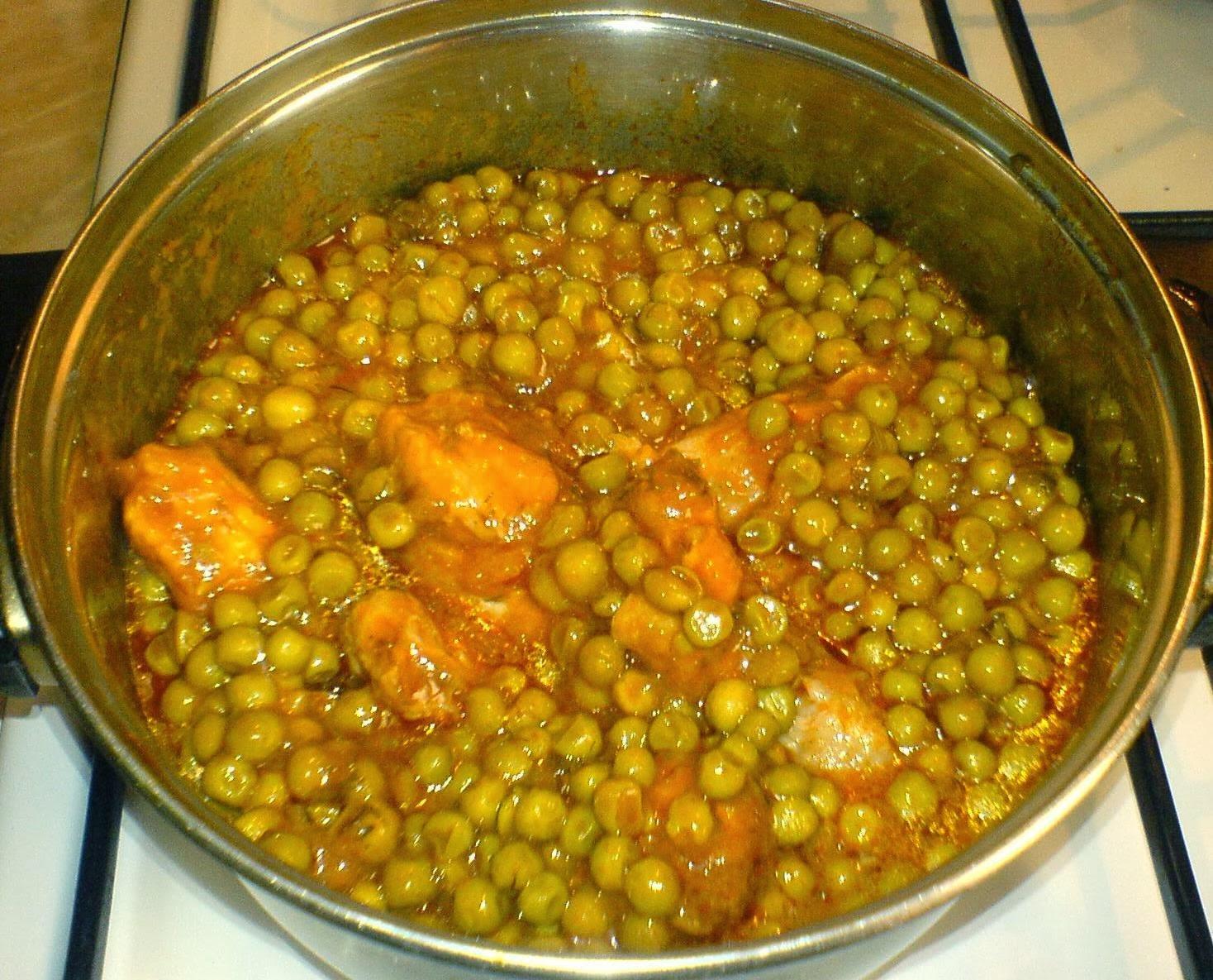 retete de mancare, retete cu pui, mazare cu sos, preparate culinare, retete culinare