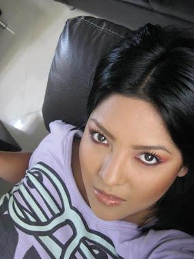 Angy Nall -