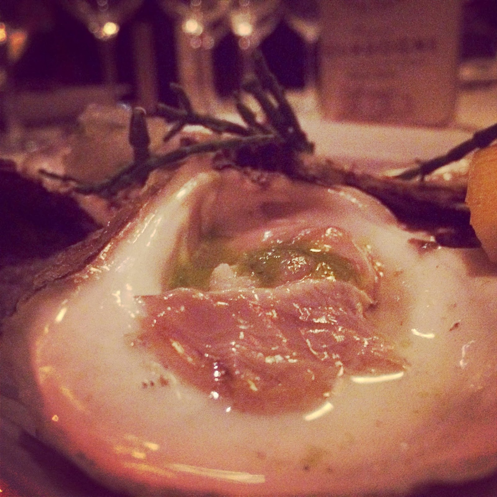 First course: oysters on the half shell