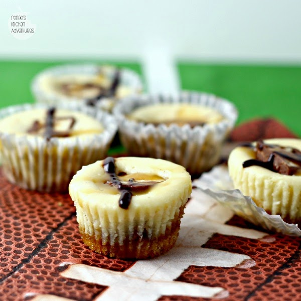Mini Caramel Cheesecake featuring SNICKERS® candy in a bite sized treat #BigGameTreats #Ad #Cbias