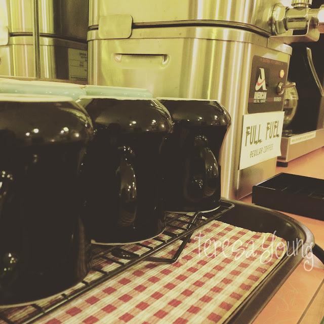 Full Fuel coffee vintage mugs countertop diner