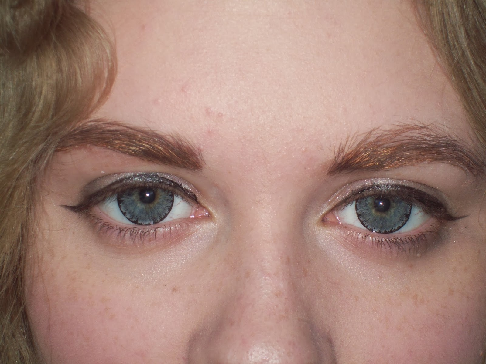 Hiding My Love~: Circle Lens Review~ EOS Ice Gray/Grey on ...