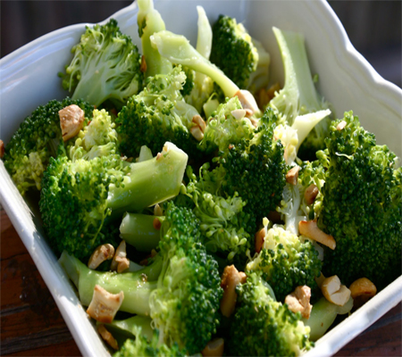 Broccoli with Garlic Butter and Cashews Recipes