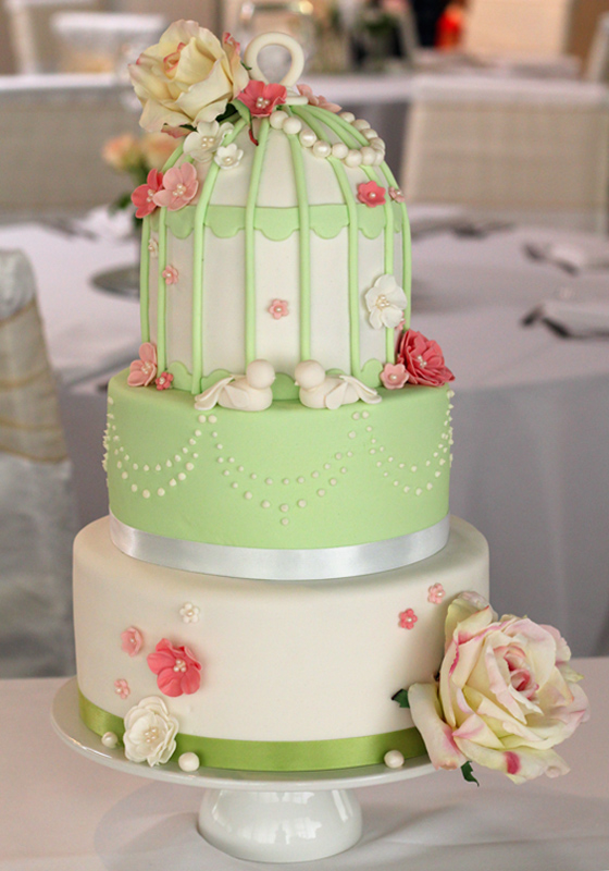 butter hearts sugar: Vintage Birdcage Wedding Cake and Cupcakes