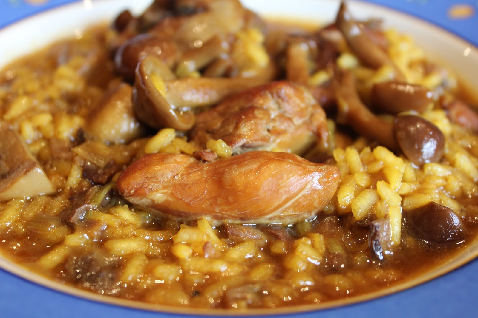 Arroz Caldoso Con Setas Y Pollo pacocinartu: arroz meloso de pollo y conejo con setas y ajos tiernos
