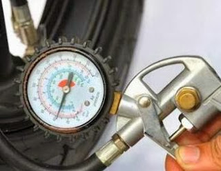 Mengatur Tekanan Angin normal sesuai pas dapat Menghemat Bahan Bakar Sepeda Motor www.motroad.com.