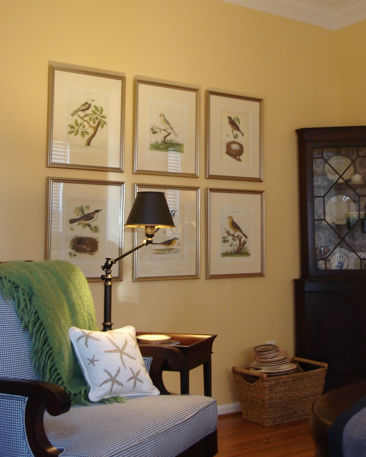 Polka dot skies reluctantly decorating living room for Joop living room 007