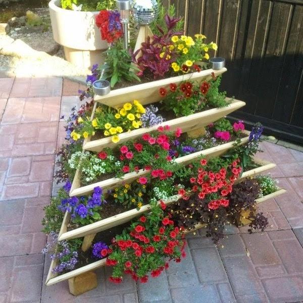 Creative diy ideas outdoor flower pots for the garden for Garden pot designs