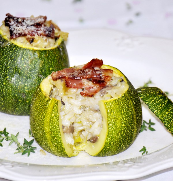 Stuffed courgette with vegetable risotto