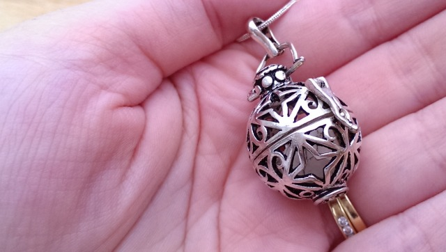 enchanted pendant from perfumed jewellery