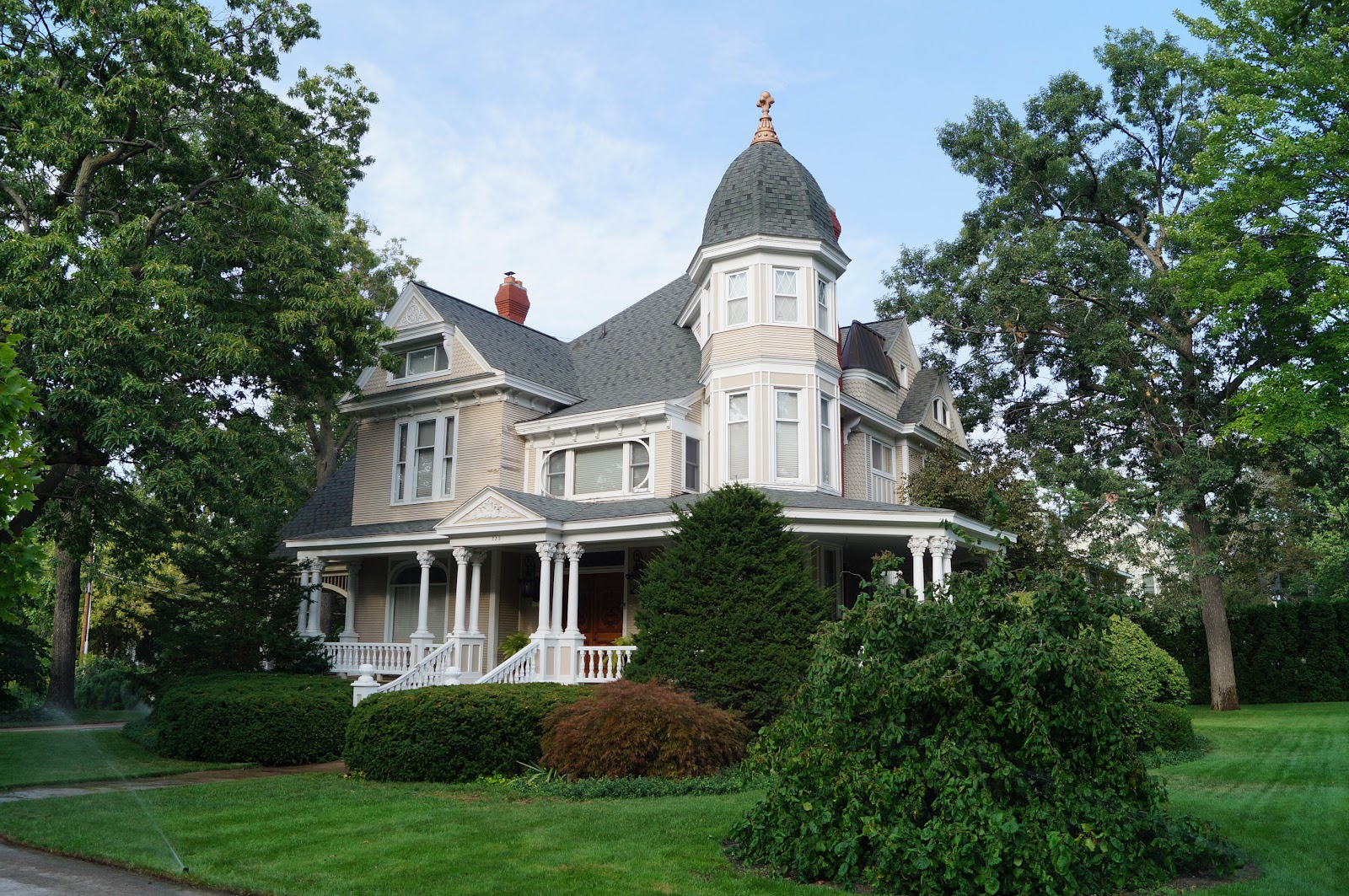 The Plum Nickel Home In Traverse City Michigan