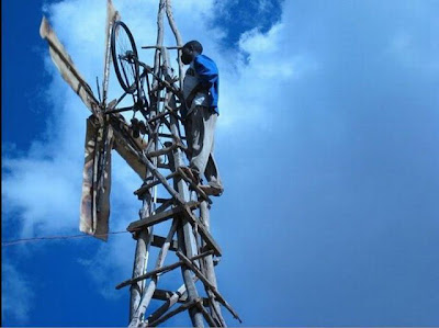 Malawi Boy Builds Windmill Out of Junk Seen On www.coolpicturegallery.us