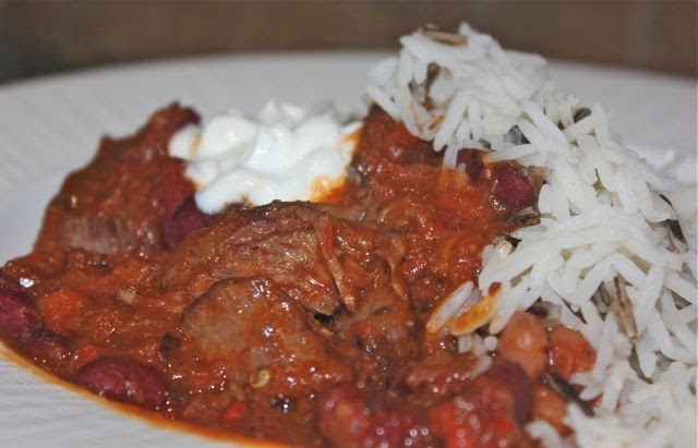 Beef chilli with beans and rice