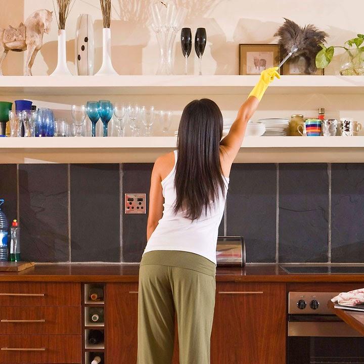 نصائح لتنظيف خزائن المطبخ من الدهون