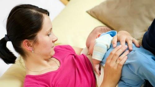 Những điều các bà mẹ cần biết khi cho con bú