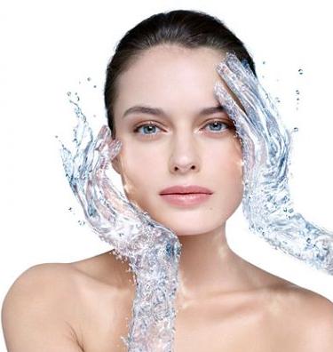 चेहरा धोने का सही तरीका