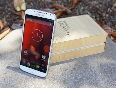 Samsung Galaxy S4 GPE receiving the Android 4.4.2 KitKat update