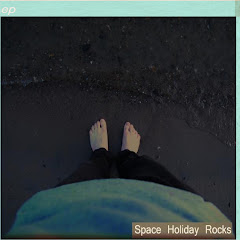 Space Holiday Rocks (EP)