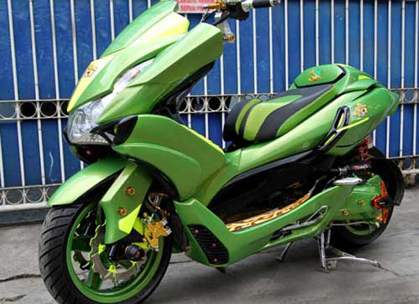 Modifikasi Honda PCX 125 Ijo Lumut