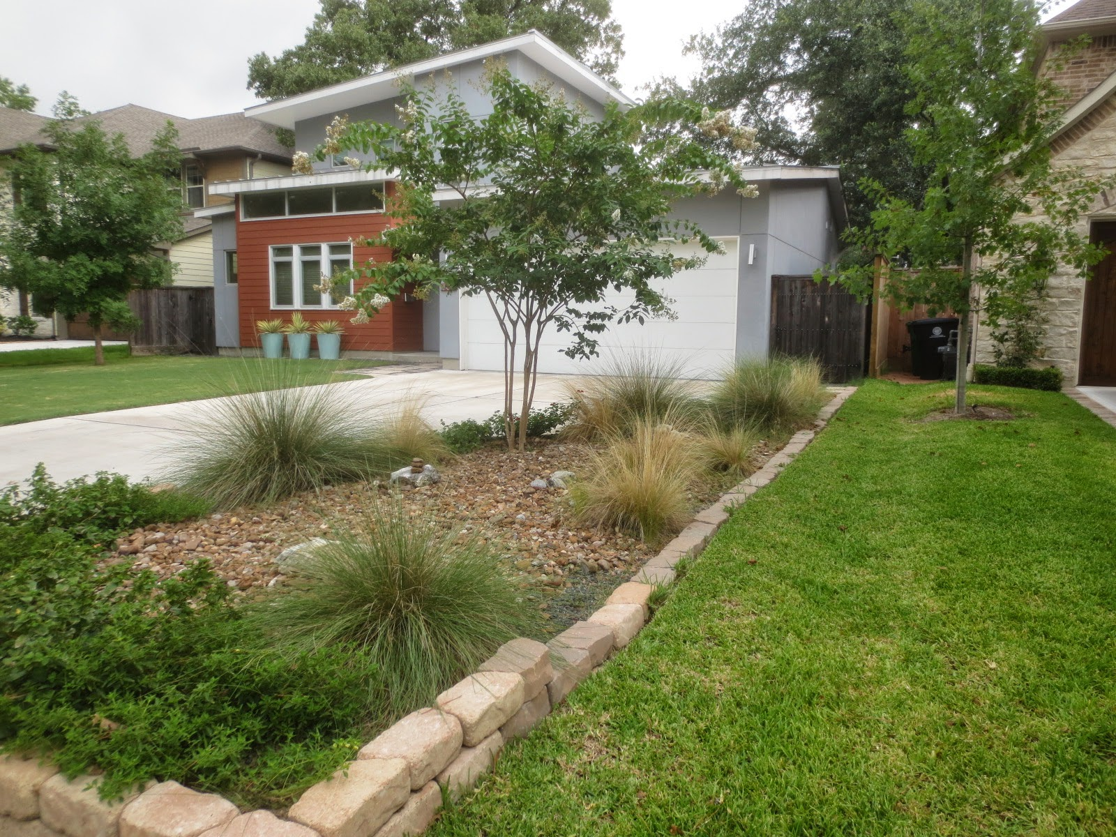 Tropical Texana: PREVENTING YARD WARS! BOUNDARY IDEAS WHEN ...