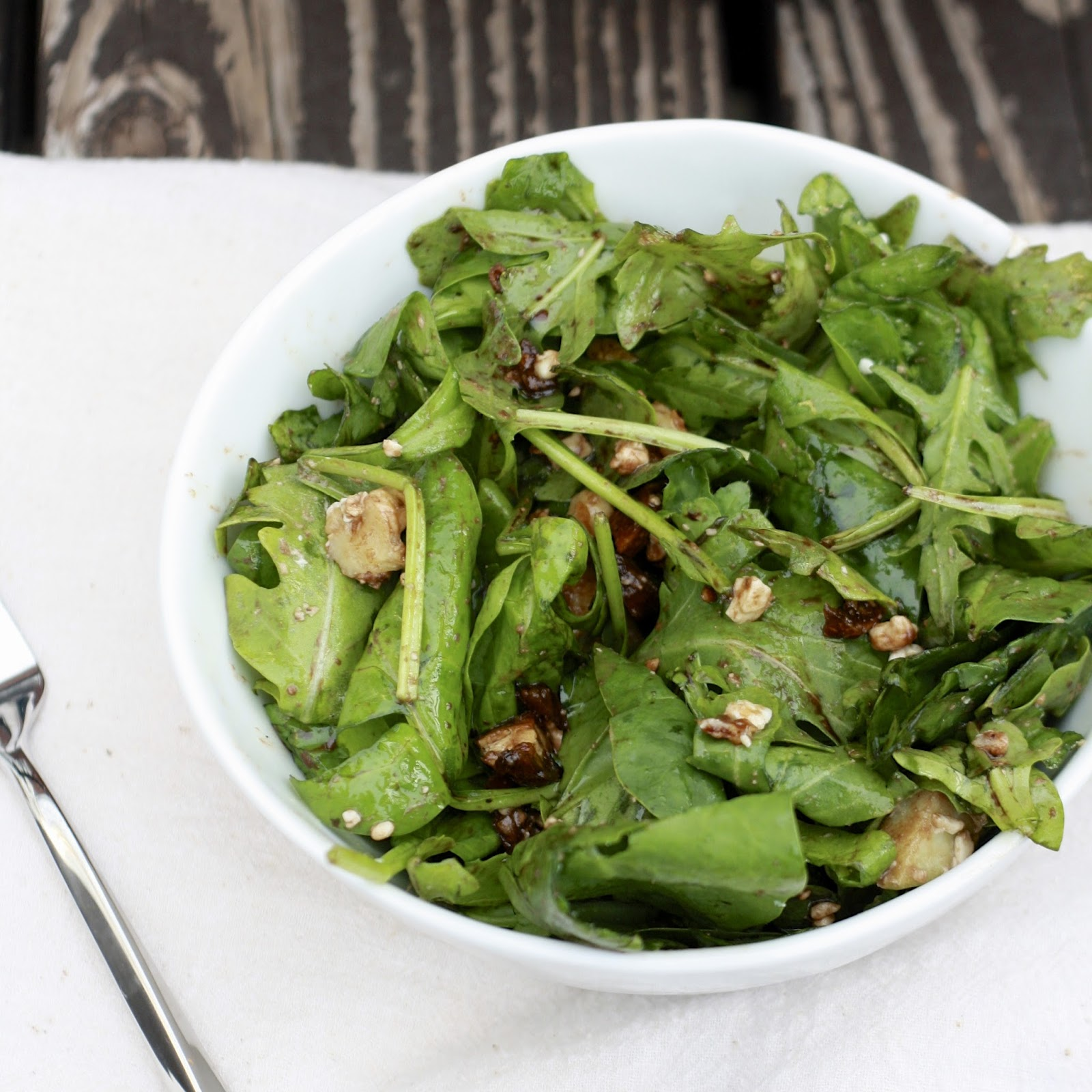 Arugula Salad with Dates, Apples, and Walnuts | The Sweets Life