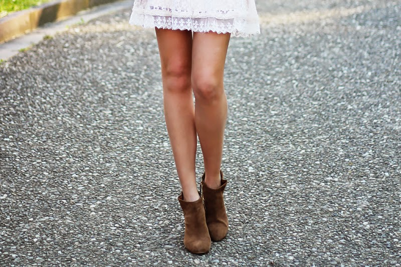 lace dress, booties, summer outfit