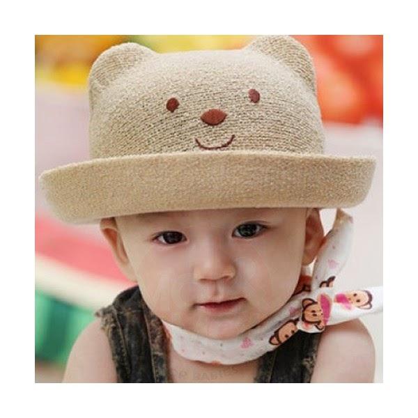 bayi lucu pakai topi