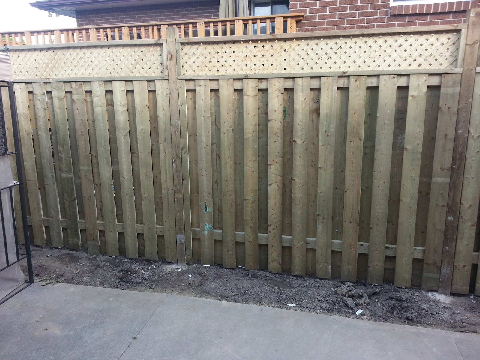 Do it yourself builds how to build a semi privacy fence with top how to build a semi privacy fence with top lattice baanklon Choice Image