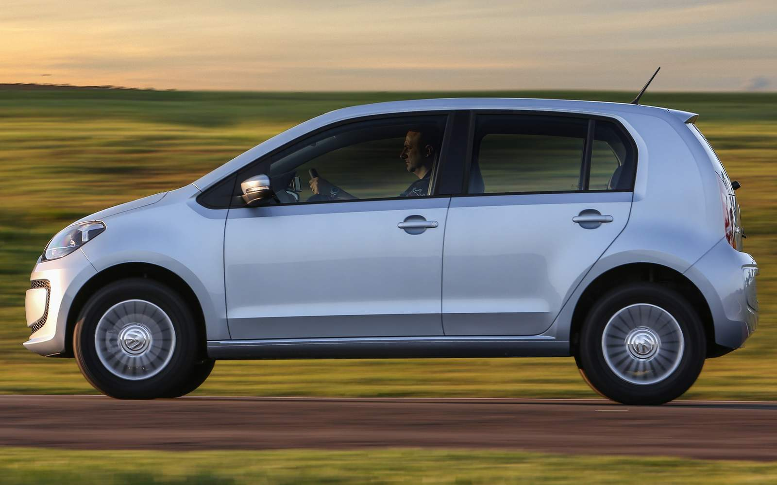 Volkswagen up! MPI - Move-up! completo