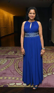 Hot tv anchor and actress photos
