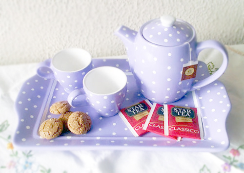 tazze fai da te DIY Painted Tea Set | Polka Dot Pretties DIY Tutorial from Silvia Bianchi