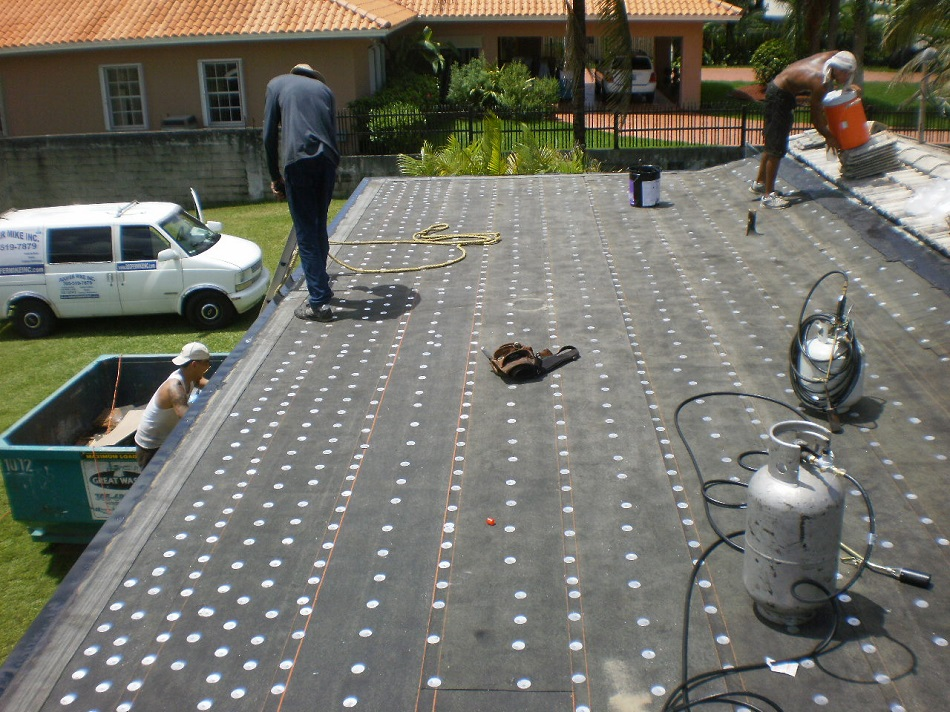 Roofer Mike Says Miami Roofing Blog Typical Flat Roof