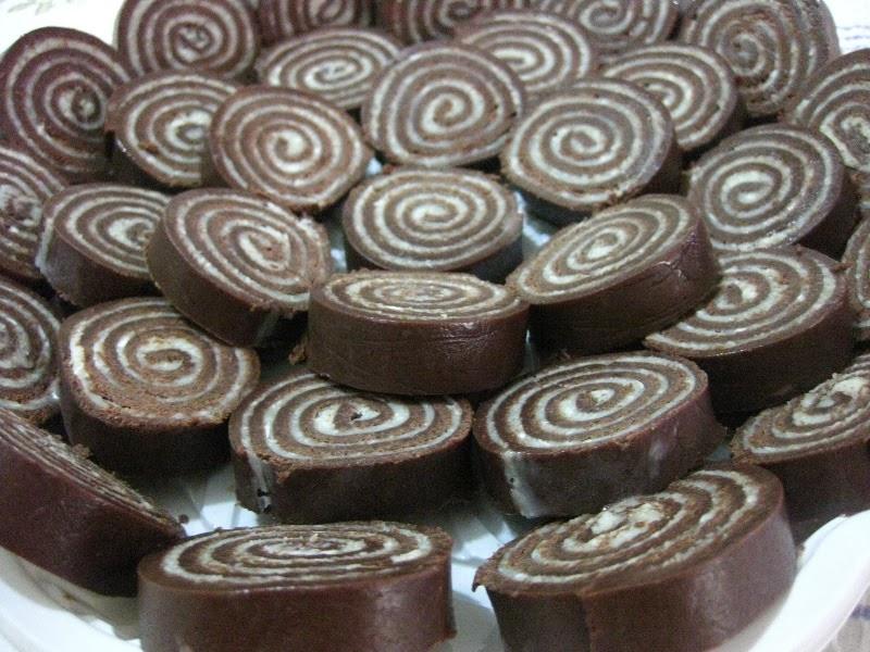 Docinhos de leite em pó com chocolate