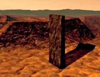 monolito en Marte