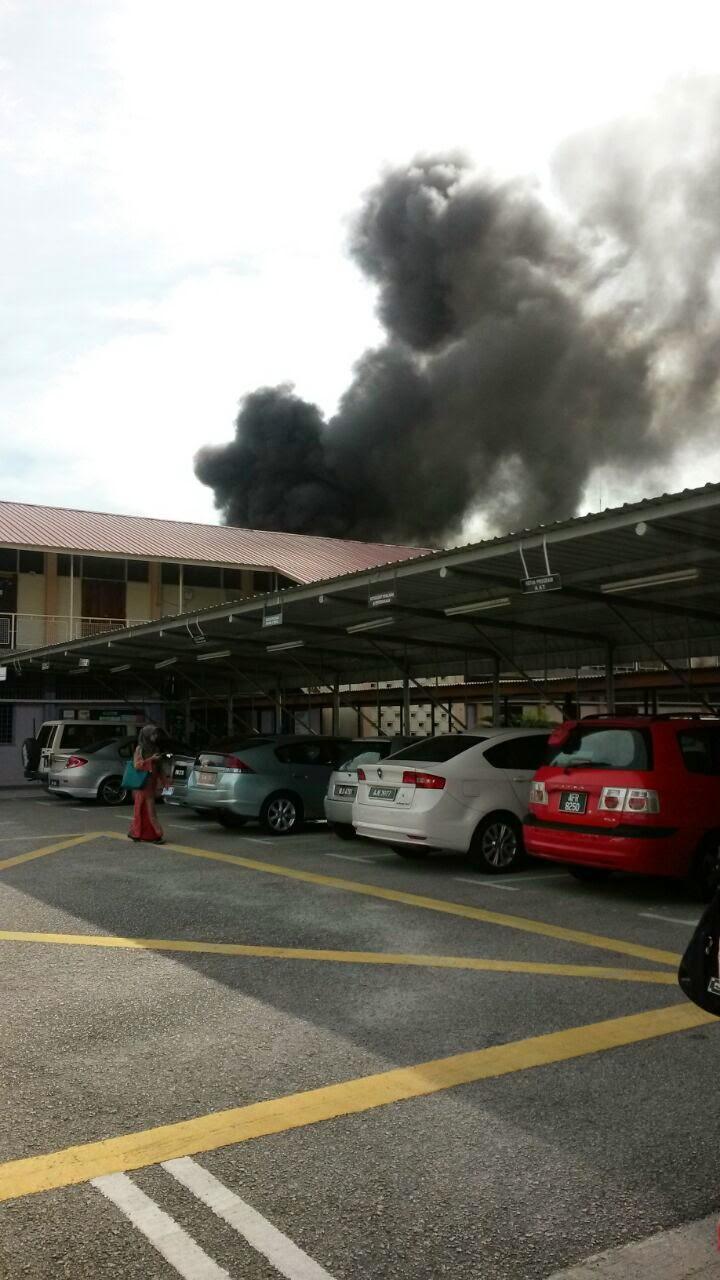 GAMBAR Kebakaran di Politeknik Ungku Omar